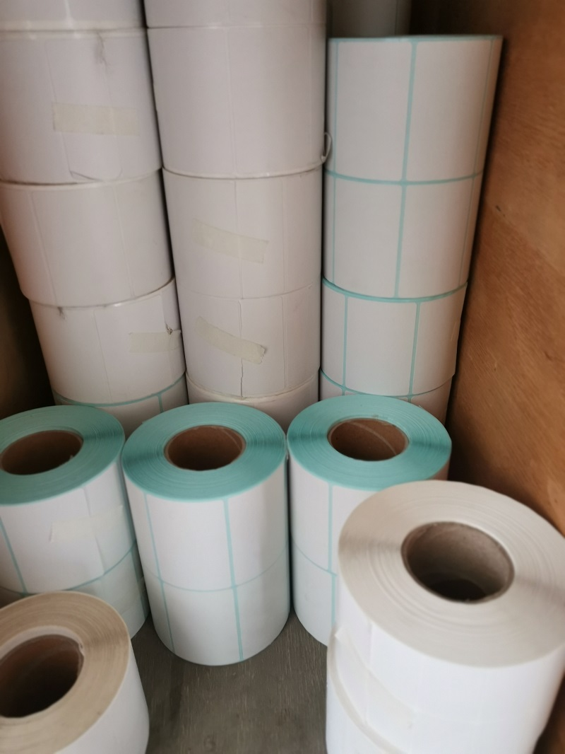 THERMAL PAPER STICKER IN SMALL ROLL